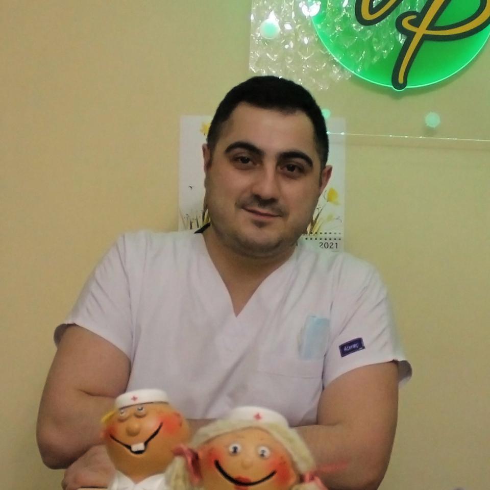 Аббасов Вусал Юсифович, стоматолог-ортопед